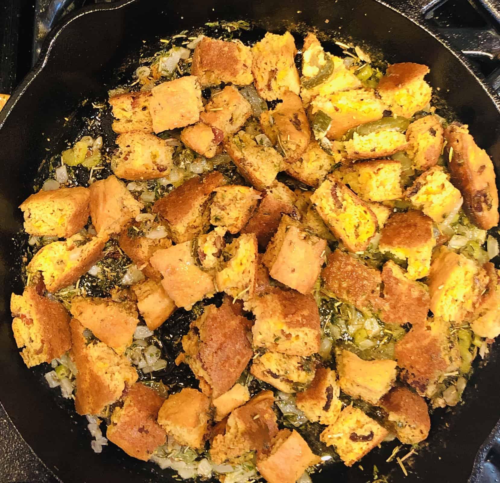 golden keto cornbread stuffing