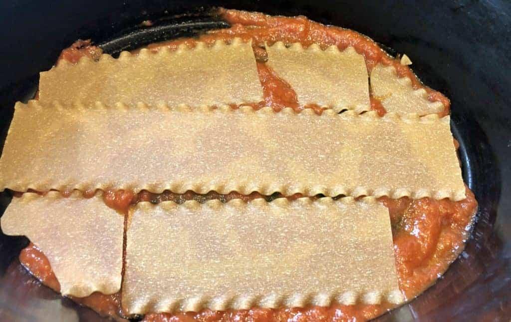 layering lasagna noodles in a crockpot